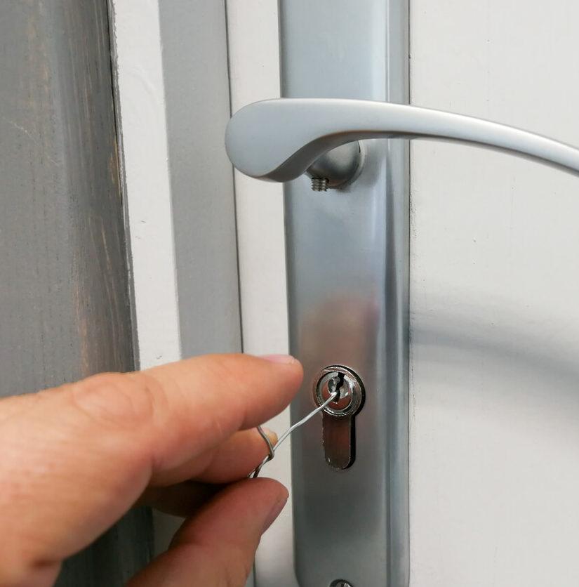 Türöffnung mit Draht